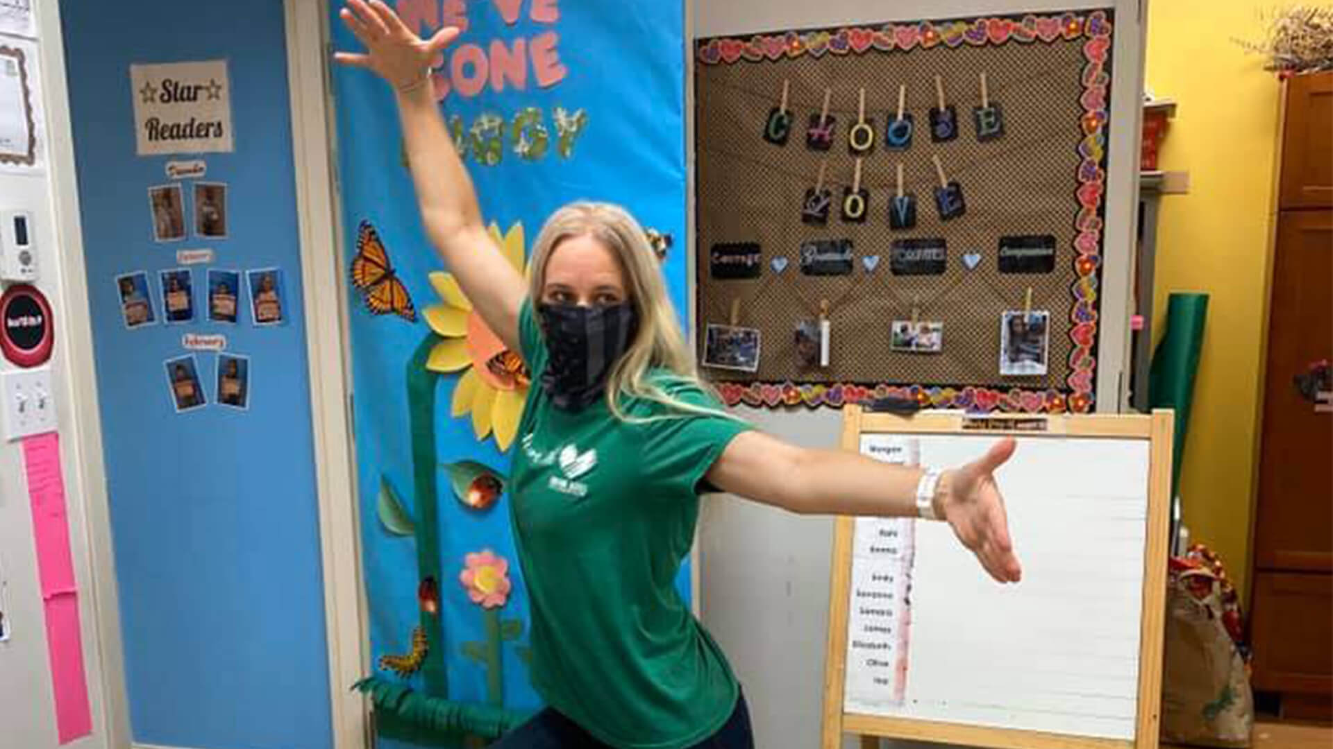 teacher mask in daycare setting